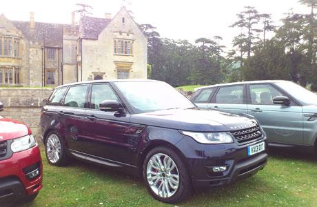 2014_Range_Rover_Sport_launch_V8
