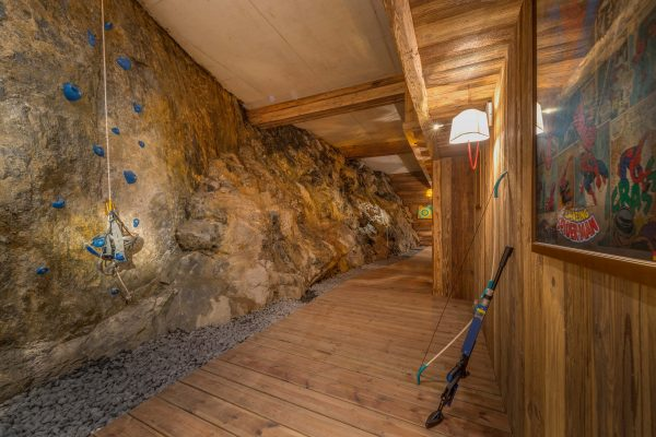 Chalet_husky_val_d_isere_shooting_archery_climbing_room_adventure_52_magazine